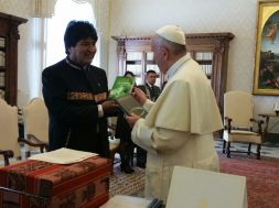 Evo_Morales_e_papa_francisco