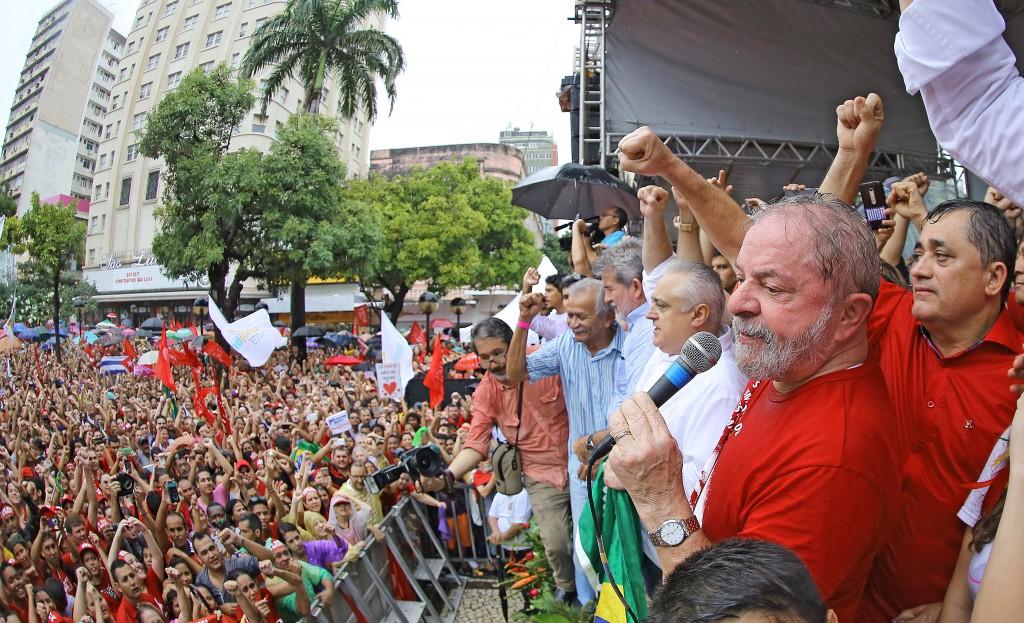 Lula espera tomar posse na Casa Civil na próxima quinta