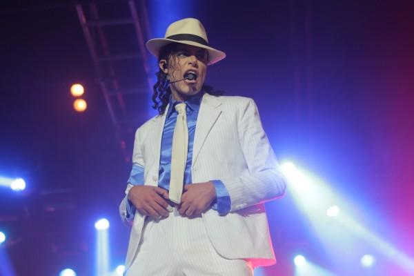 """Show """"Tributo ao Rei do Pop"""" relembra sucessos de Michael Jackson em Natal"""