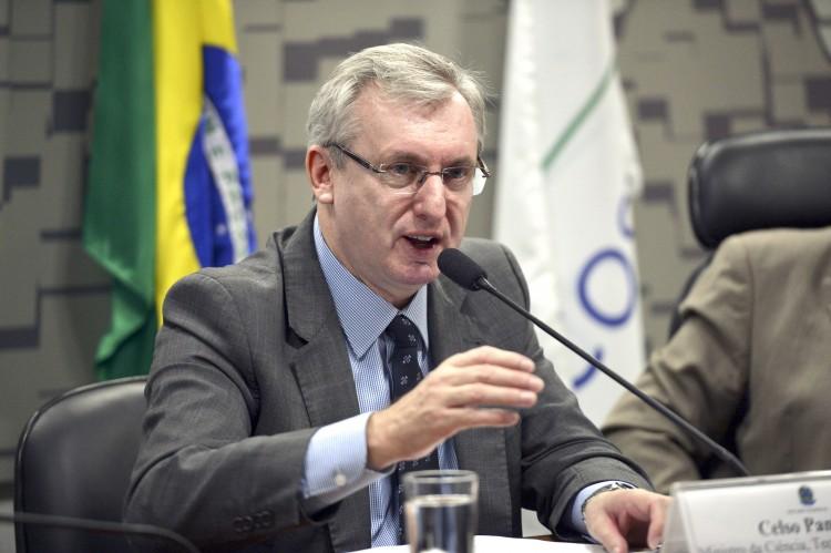 Ministros do PMDB reassumirão mandato para votar contra impeachment, diz Pansera