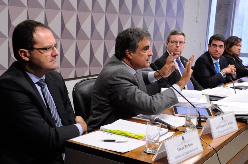 Ministros dizem que Dilma não cometeu crime de responsabilidade