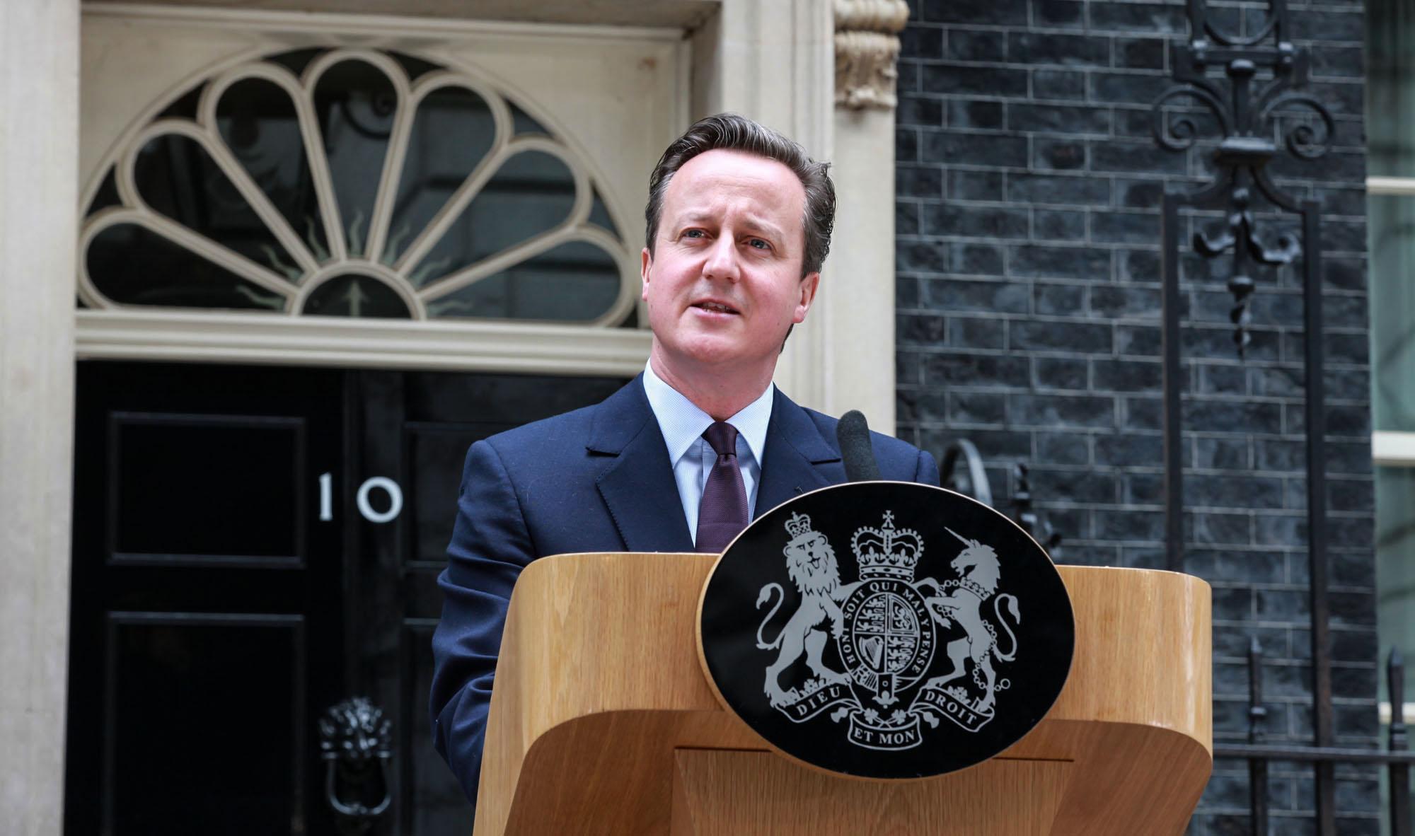 Panama Papers: Manifestantes pedem renúncia em frente à casa de Cameron