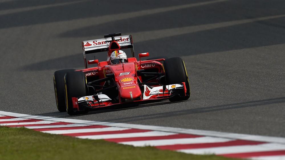 Ferrari bate Mercedes e lidera treinos livres na China