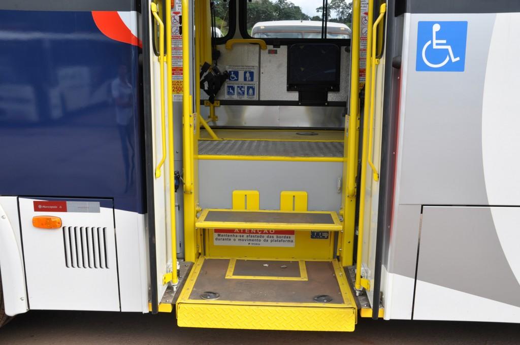 Ônibus rodoviários devem ter plataforma elevatória a partir de 1º de julho