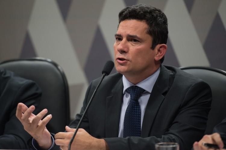 Sérgio Moro defende intervenção do Judiciário para afastar corruptos da política