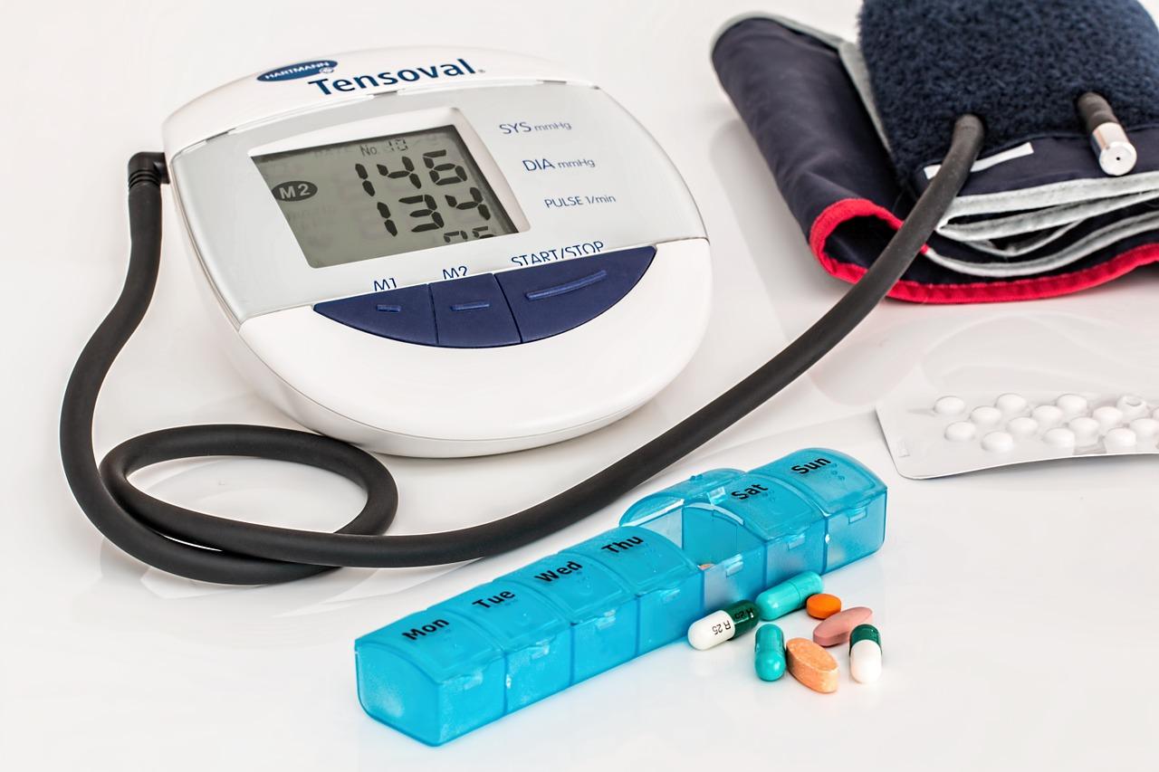 Pressão alta causa doença nos rins, diz nefrologista