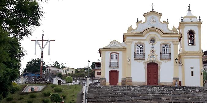 Câmara analisa PEC que isenta de IPTU imóveis alugados por igrejas