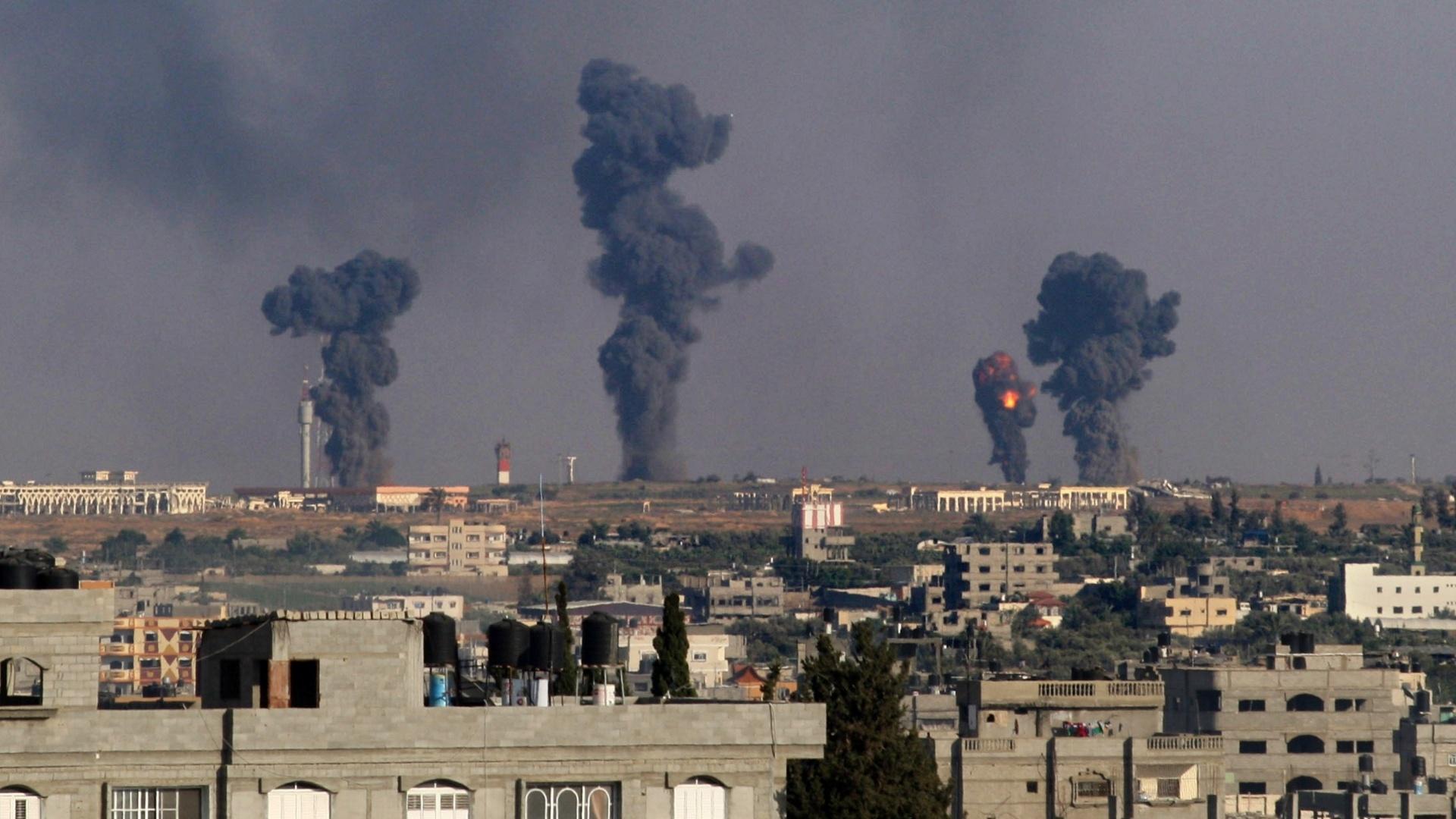 Israel volta a bombardear sul de Gaza após ataques do Hamas