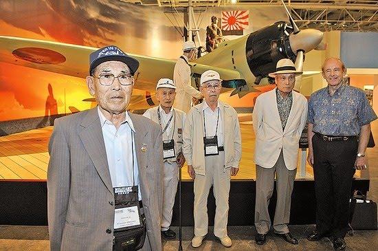 Aos 99 anos, morre último sobrevivente de Pearl Harbor