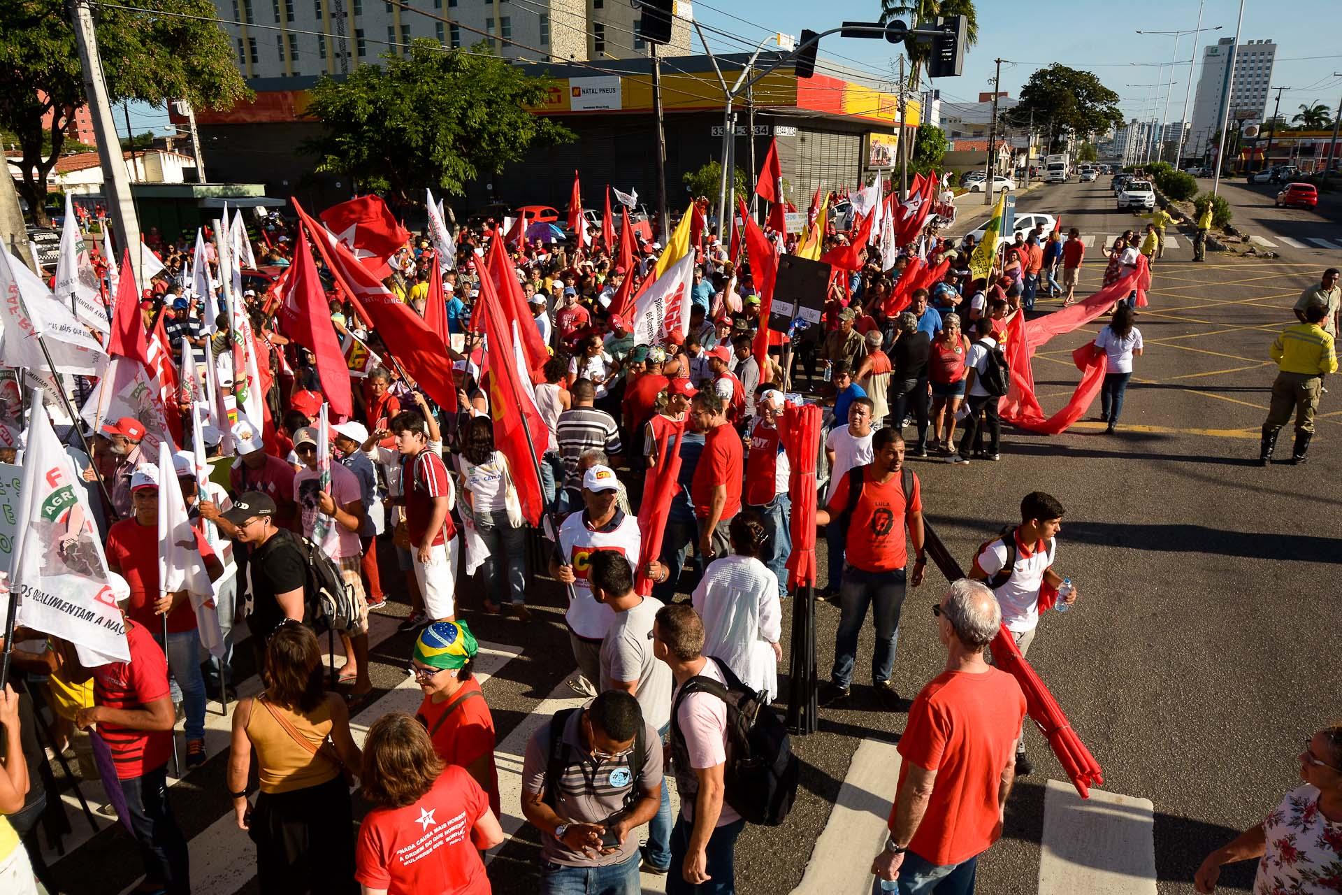 Manifestação contra o impeachment irá causar bloqueio temporário da BR-101 em Natal