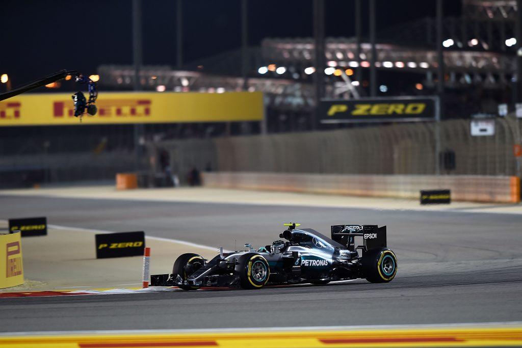 Hamilton aproveita erro e vence GP de Mônaco