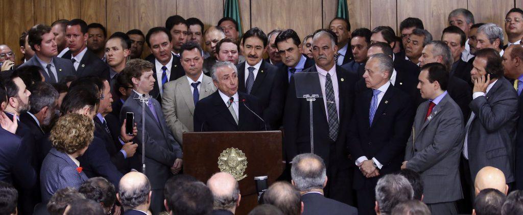 OAB defende saída de ministros investigados na Lava Jato