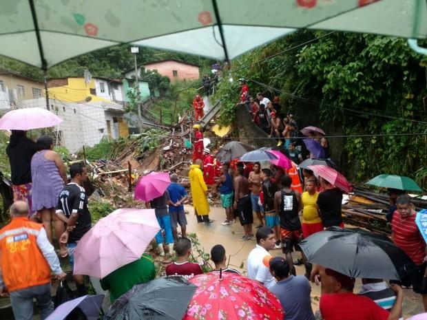 Chuva forte atinge Olinda e Recife causando morte e prejuízos