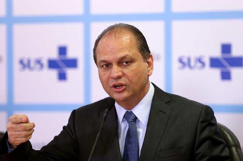 Ministro diz que fosfoetanolamina só será distribuída se Anvisa comprovar efeito
