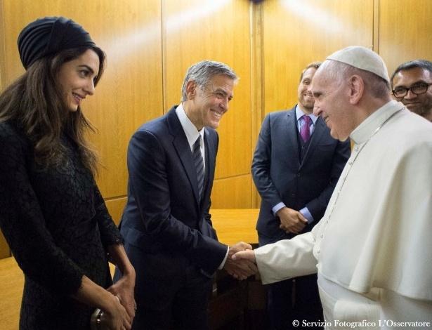 George Clooney e Richard Gere encontram Papa no Vaticano