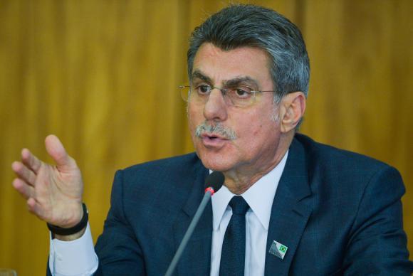 Governo interino pretende extinguir 4 mil cargos comissionados