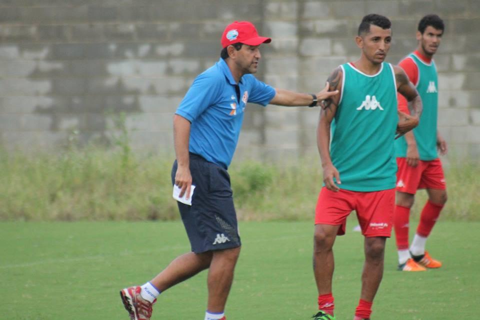 Ofensivo: Sérgio China esboça time e promove mudanças no América-RN