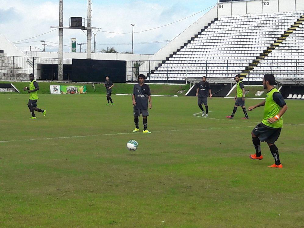Fábio Gama assina contrato e inicia treinamentos no ABC