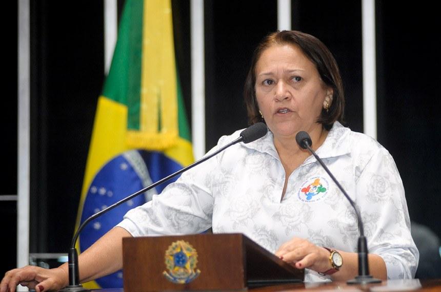 Fátima Bezerra critica medidas adotadas por Michel Temer