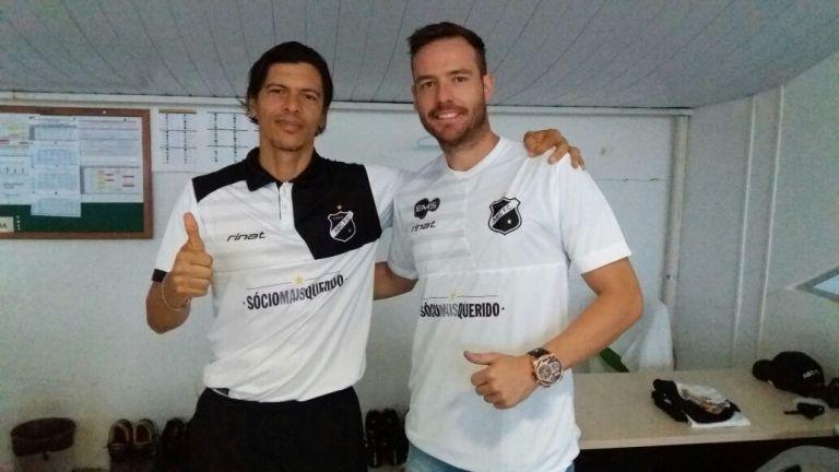 Tiago Sala se apresenta e realiza exames médicos no CT