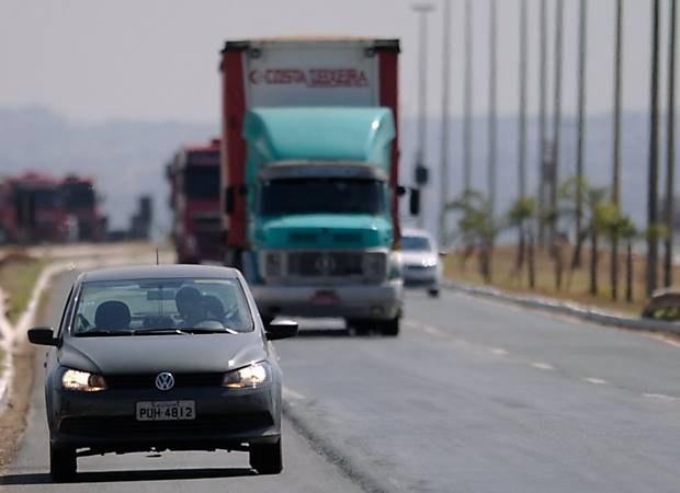 MPRN recomenda que não multem carros com faróis apagados
