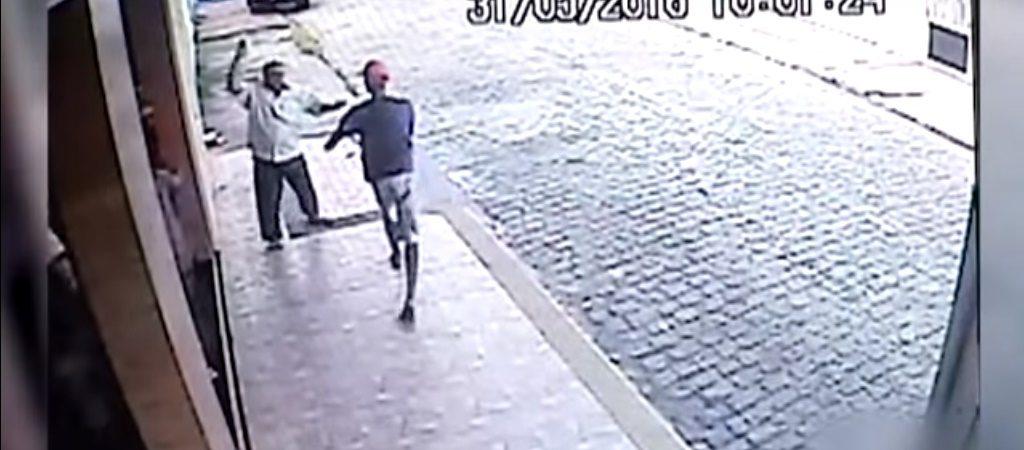 Idoso reage a assalto e bate em bandido com saco de pão