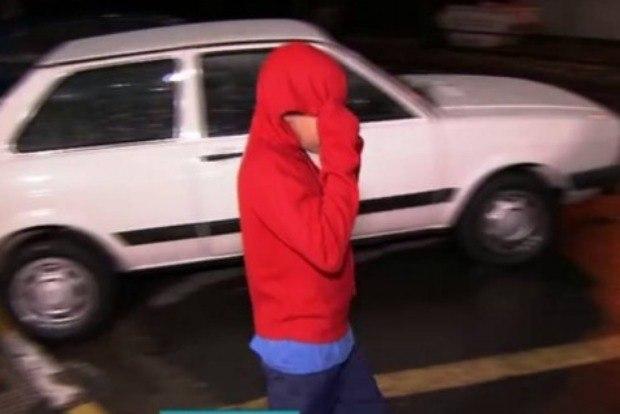 Menino de 10 anos suspeito de furtar carro é morto por PM