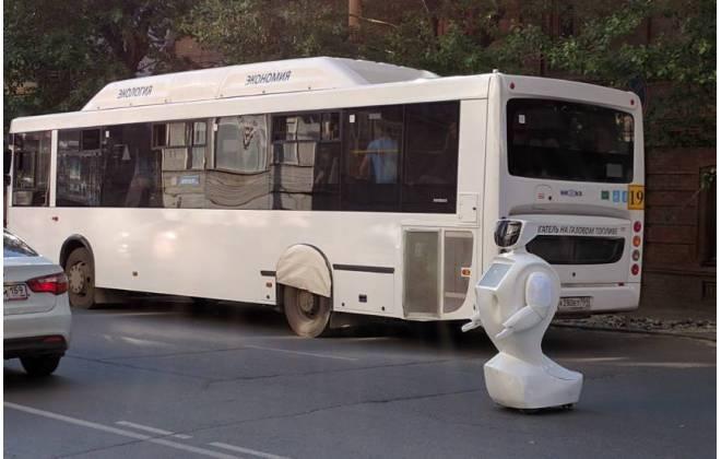 Robô foge e provoca tumulto nas ruas da Rússia