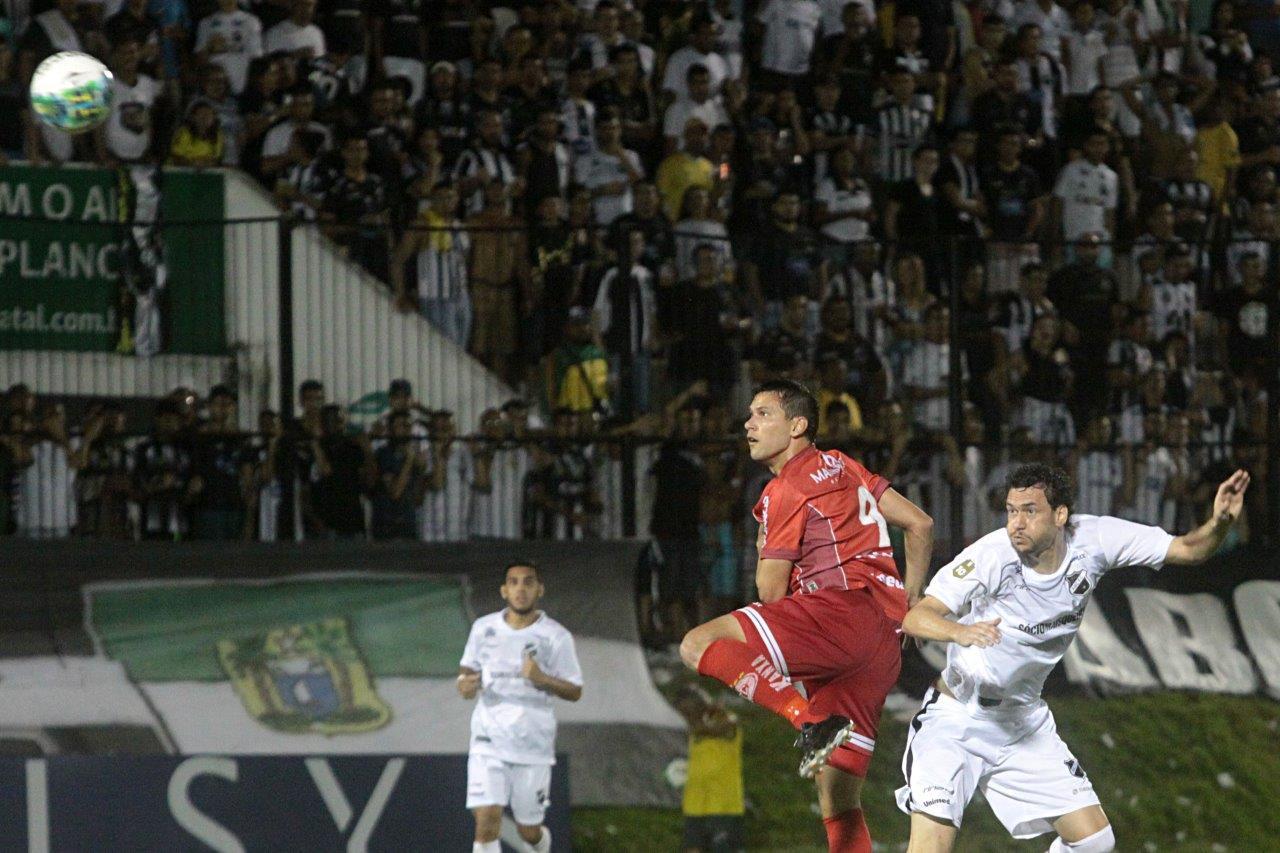 Gustavo Bastos comemora vitória no clássico e acredita na classificação do ABC