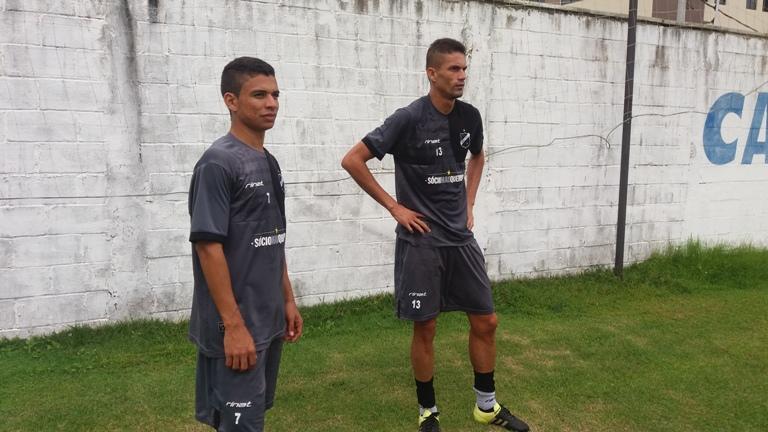 Cleiton e Erivélton são liberados e estão de volta aos treinos