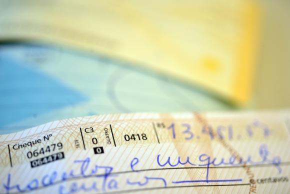 Juros do cheque especial chegam a 315,7% ao ano