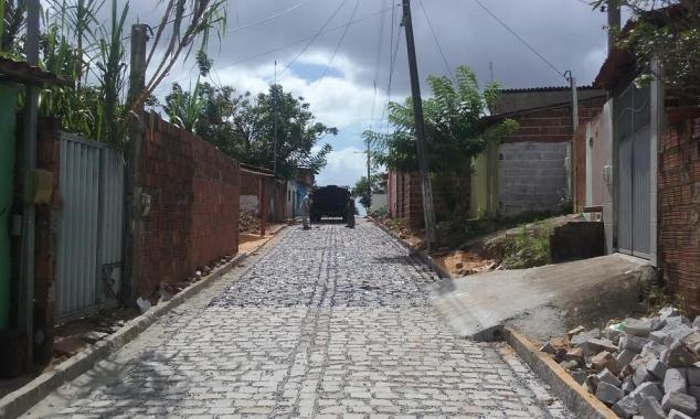 Ruas de Felipe Camarão recebem drenagem e pavimentação nos próximos meses