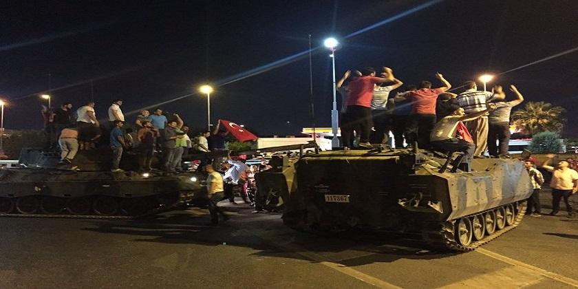 Em menos de 5 horas, Turquia repele golpe de Estado