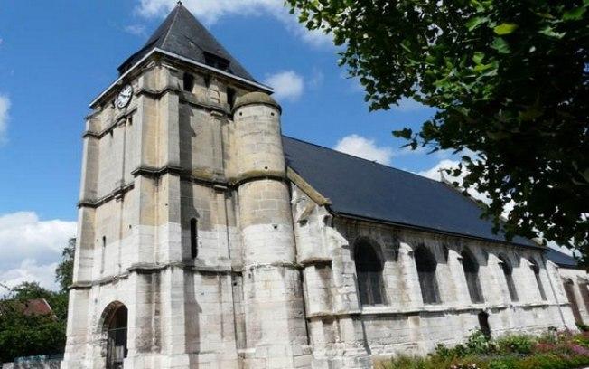 Ataque a igreja na França vem após ameaças a cristãos