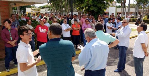 Petroleiros aprovam greve de cinco dias no RN