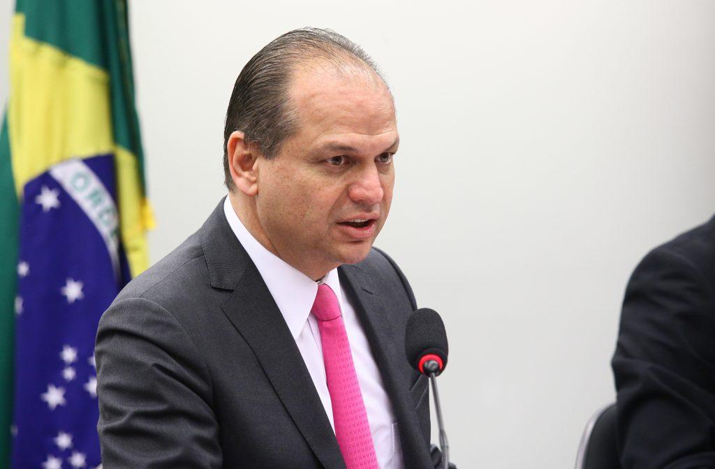 Ministro garante continuação do Programa Mais Médicos