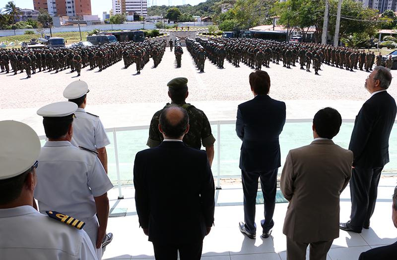 Governador e ministro liberam atuação das tropas federais
