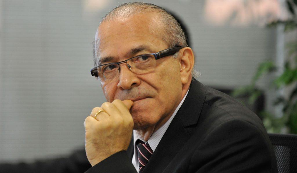 Governo descarta aumento de impostos até 2017, diz Padilha