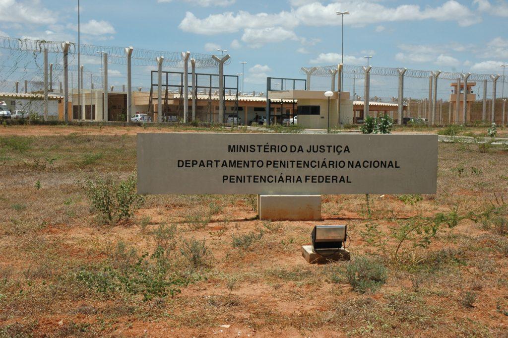 Detentos do Ceará são transferidos para presídio federal em Mossoró
