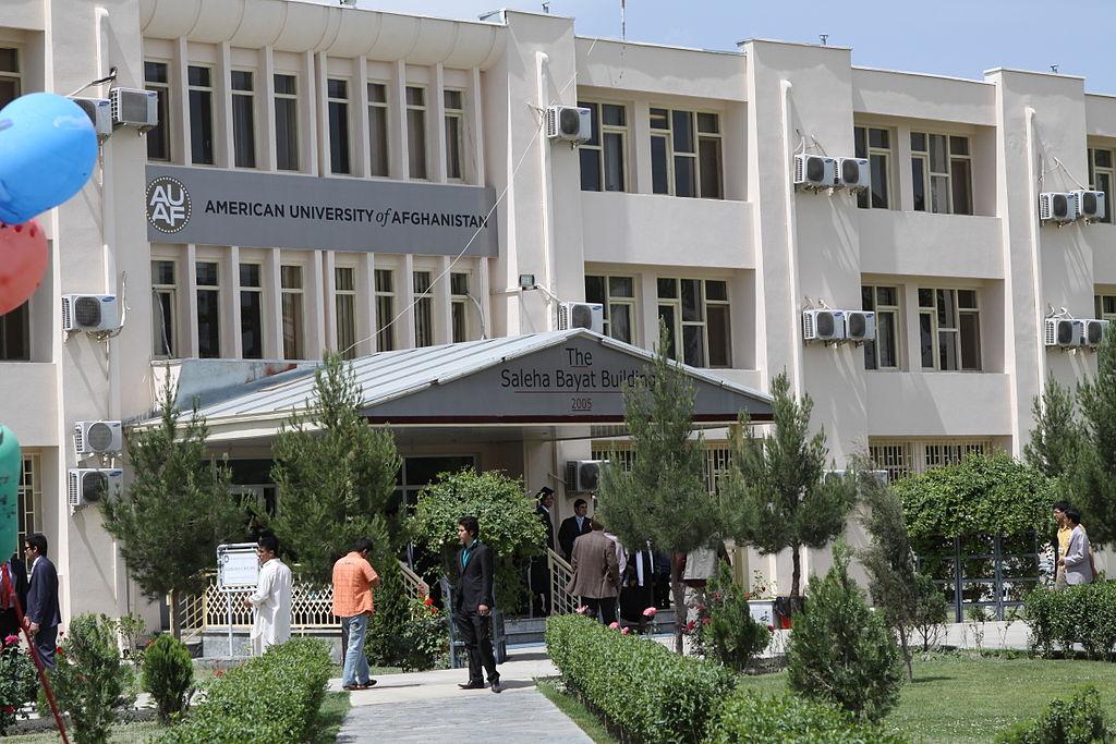 Universidade norte-americana é alvo de ataque em Cabul