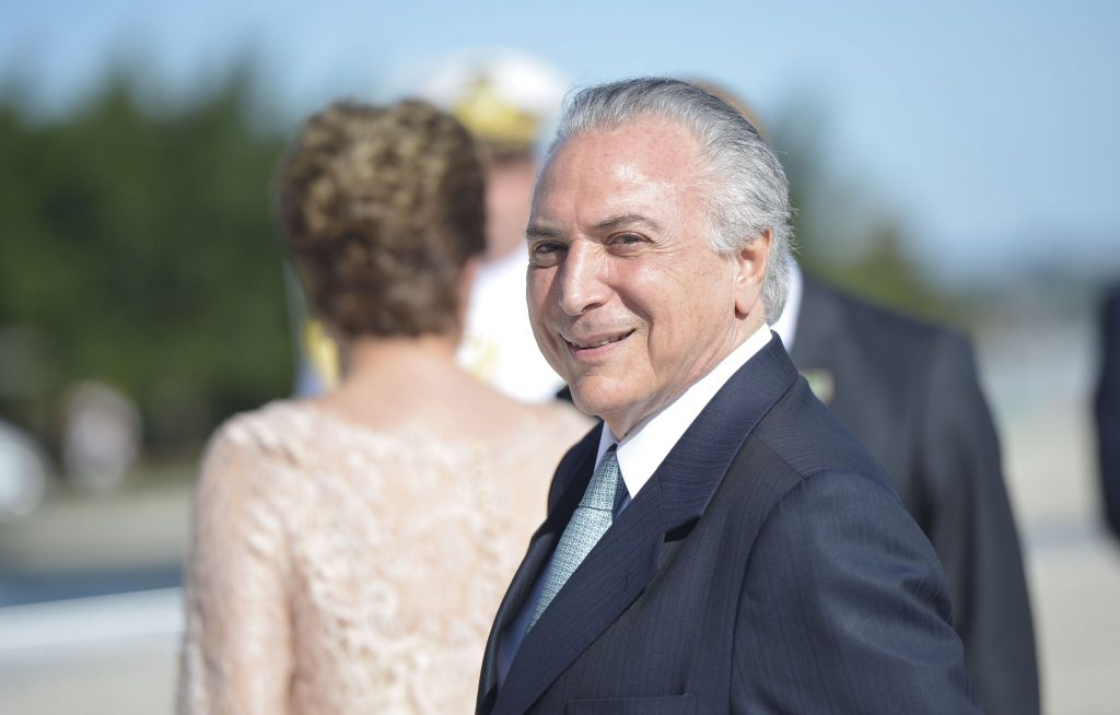 Por 4 votos a 3, TSE decide não cassar chapa Dilma-Temer