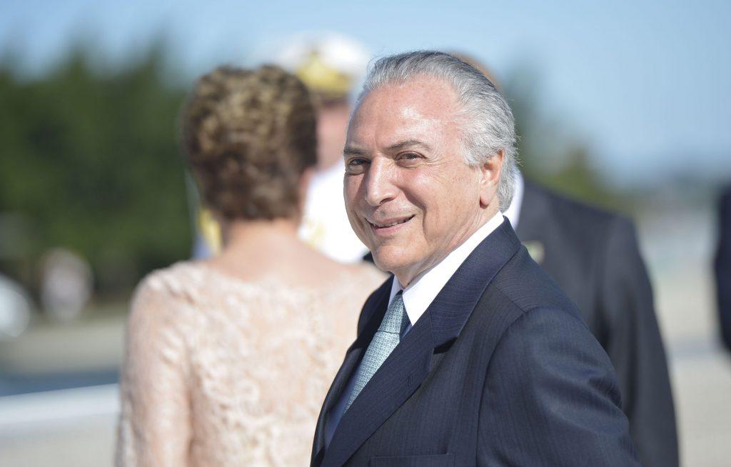 Michel Temer assume difinitivamente Presdiência com mandato até 2018