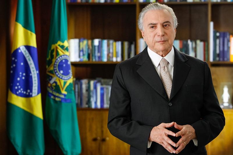 """Temer cita reformas e diz que vai """"recolocar o Brasil nos trilhos"""""""