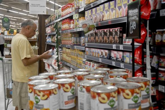 Inflação volta a subir, atingindo 8,74% em um ano