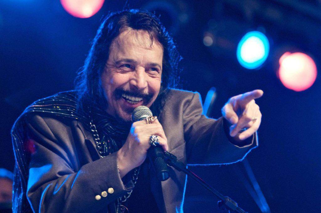 Benito di Paula se apresenta no Teatro Riachuelo em setembro