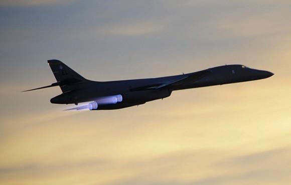 Caças dos EUA sobrevoam Coreia do Sul para alertar Pyongyang