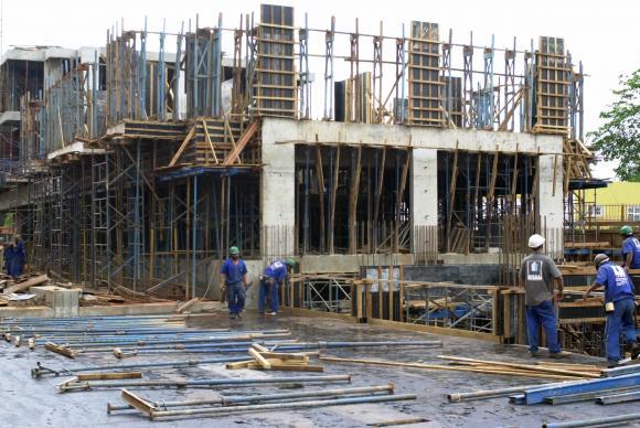 Emprego na construção civil registra 22ª queda