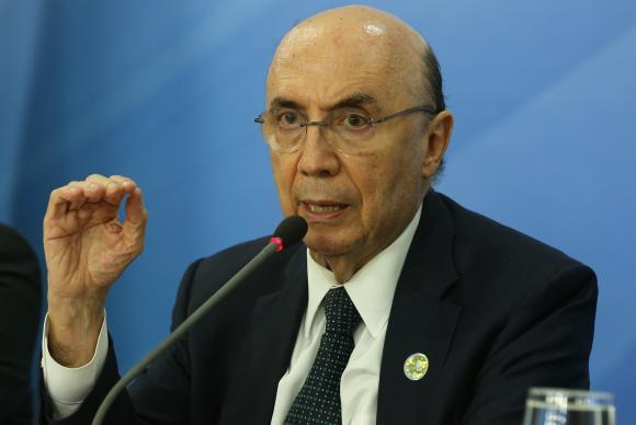Henrique Meirelles descarta aumento de impostos para 2016