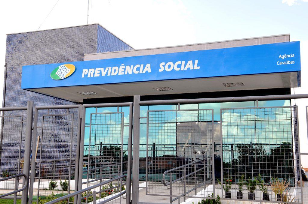 """Ameaça do governo: """"saúde e educação podem ficar comprometidas sem reforma na Previdência"""""""