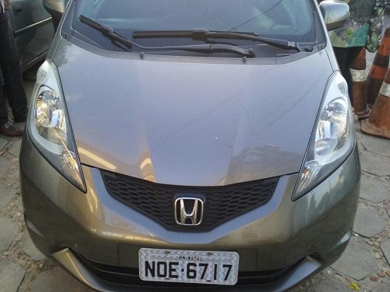 Ronda Cidadã detém homem com veículo roubado no bairro Planalto